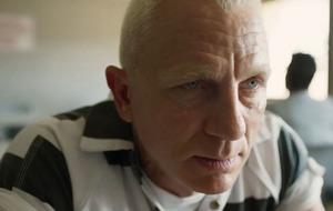 Daniel Craig looks nothing like James Bond in the Logan Lucky trailer