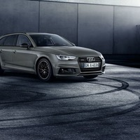 Audi A4: Black is the new black