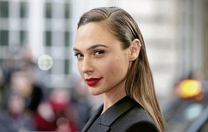 Lebanon seeks ban on Wonder Woman movie because lead role played by Israeli Gal Gadot