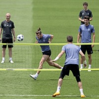 Gareth Bale declares himself fit for Champions League final