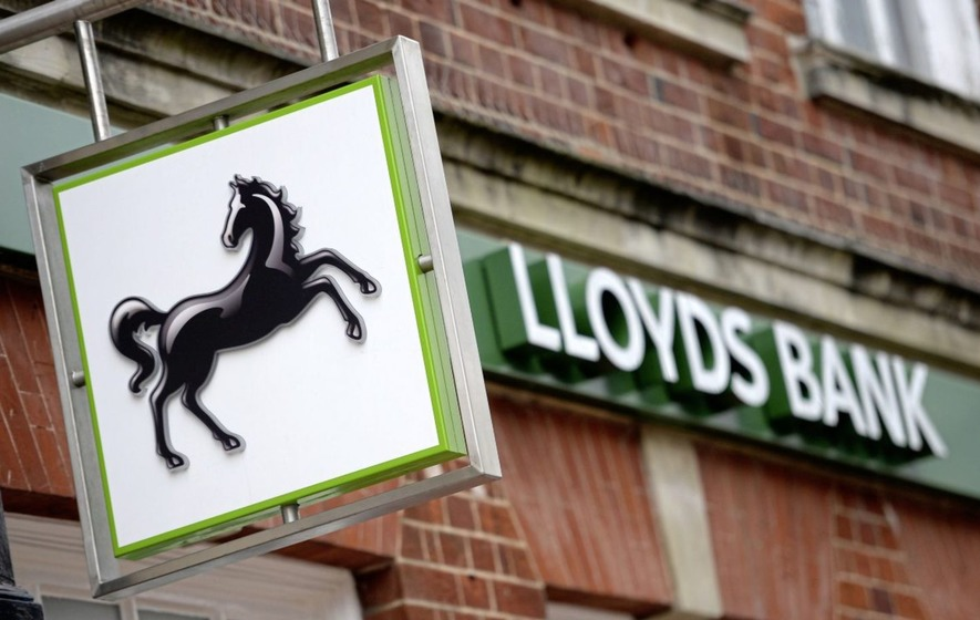 Lloyds Banking Group PLC (LLOY) Stock Rating Reaffirmed by Barclays PLC