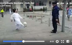 Video: Garda and nun play keepy uppy