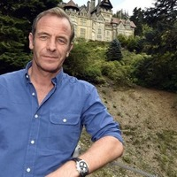 Robson Green and Polly Walker lead new Manchester-based drama