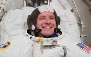 Ever wondered what it's like to eat pudding in space? Let astronaut Jack Fischer show you how
