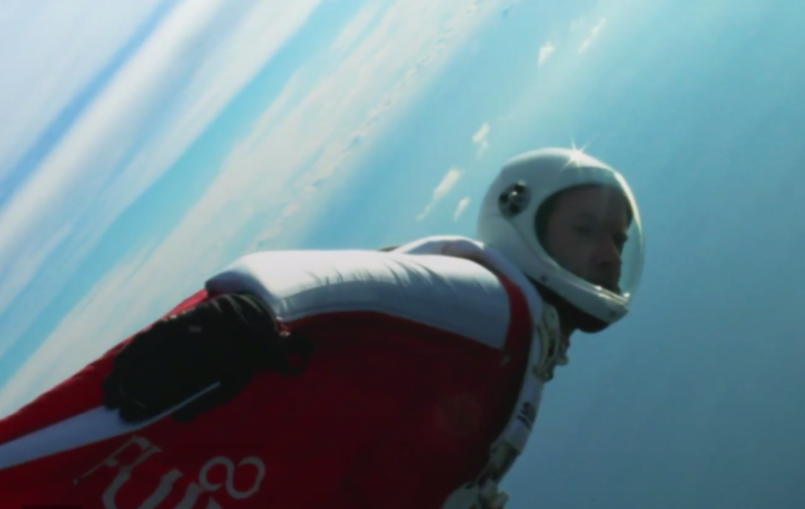 This daredevil just broke a world record with 249mph flight in a wingsuit