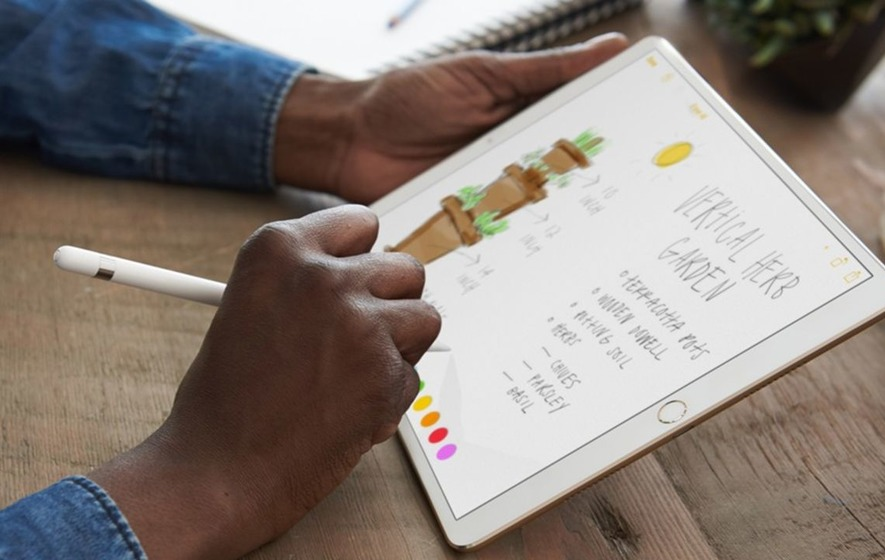 Apple aims to strengthen hold on tablet market with 10.5in iPad Pro