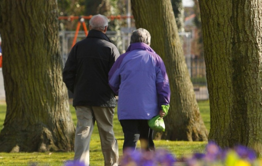 Brisk walking each day 'may cut risk of dying from cancer'