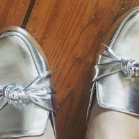 Why are women sharing pictures of their shoes on polling day?