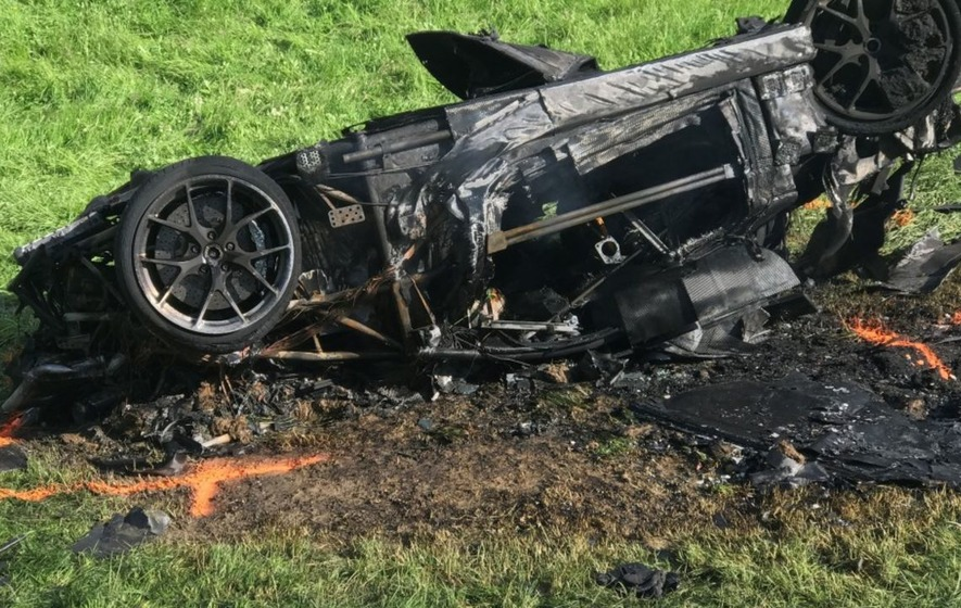 Richard Hammond to undergo knee surgery following horror crash