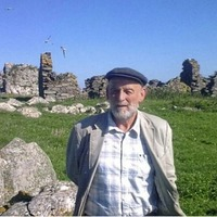Danny Sheehy: Co Kerry poet dies after his currach capsizes off Spain