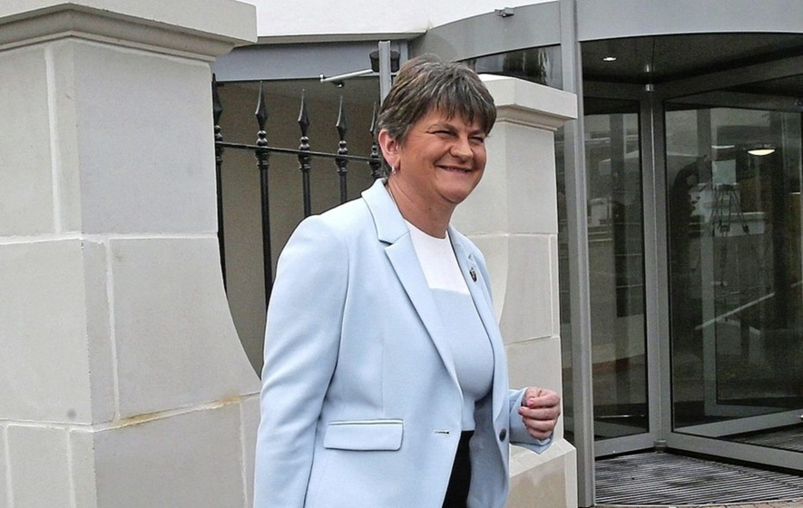 Theresa May seeks minority gov't with DUP after bruising election result
