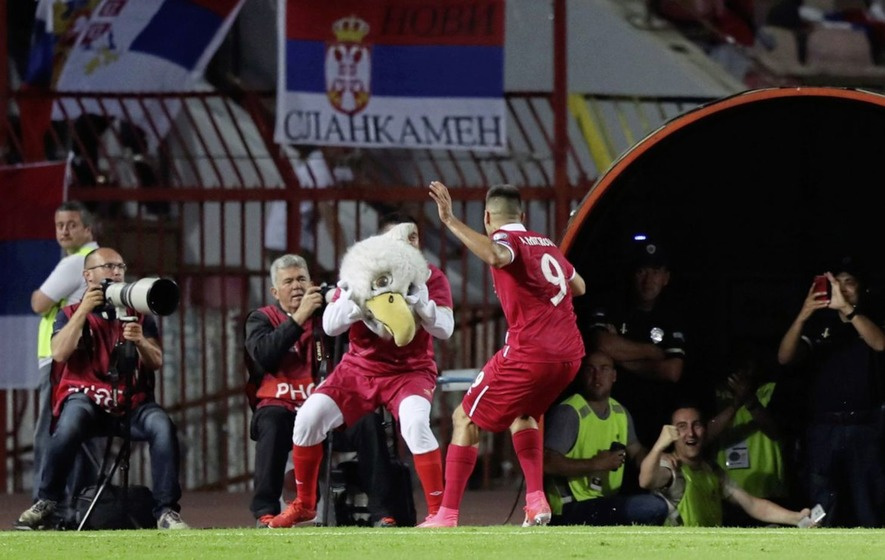 Chris Coleman praises Welsh players after draw in Serbia