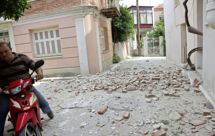 6.2 magnitude eartquake shakes western Turkey and Greek island