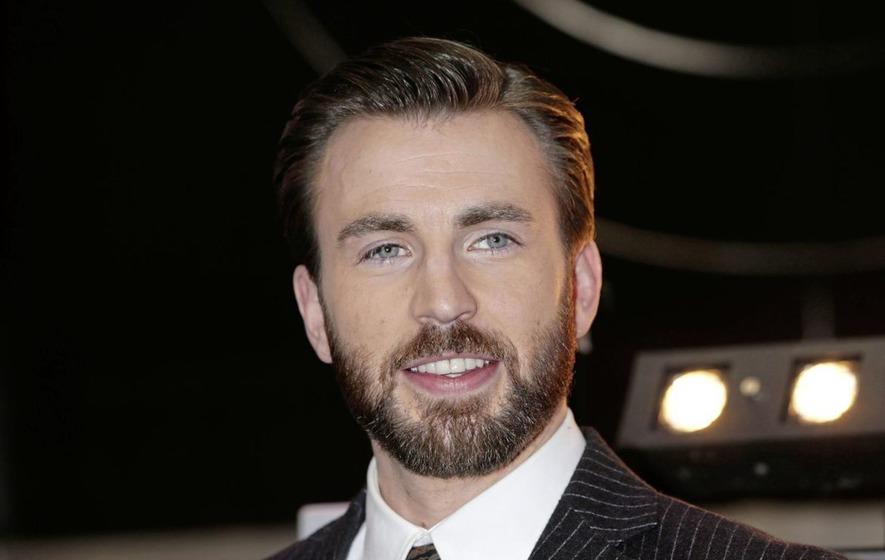 Superhero movie star Chris Evans cried when he read the ...