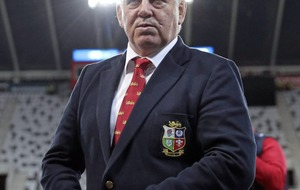 Lions head coach Warren Gatland left to rue scrum problems after Highlanders defeat