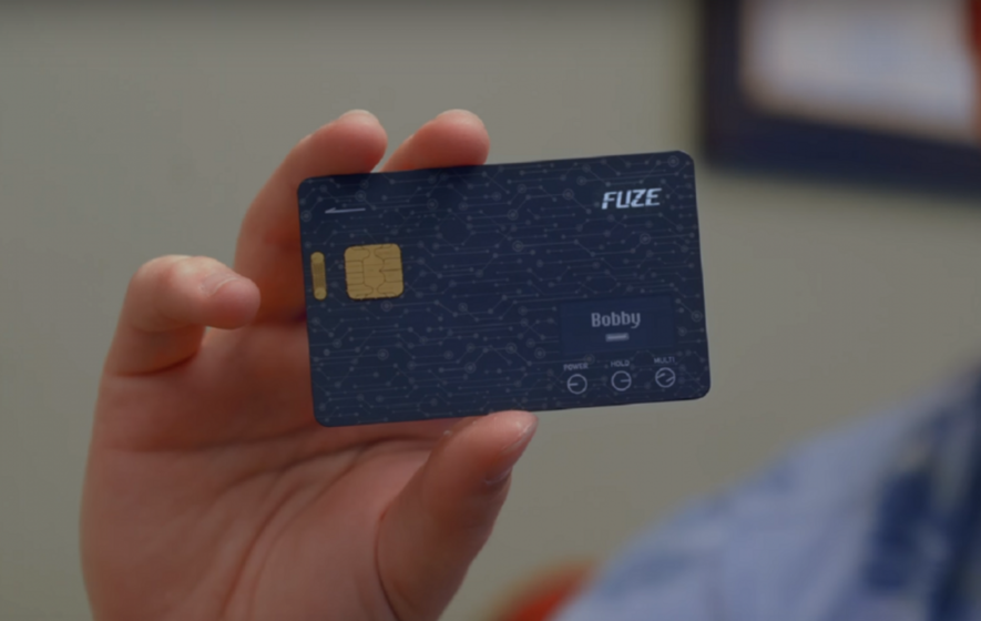 This little gadget lets you put almost everything in your wallet onto one card