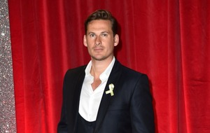 Lee Ryan back in hospital due to quinsy complications