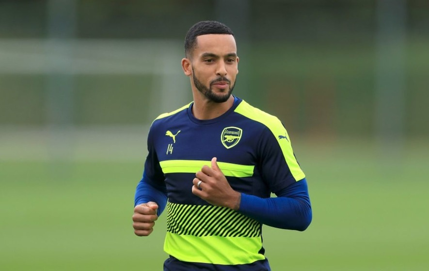 Want to watch Theo Walcott's summer workout in super-quick time? Of course you do