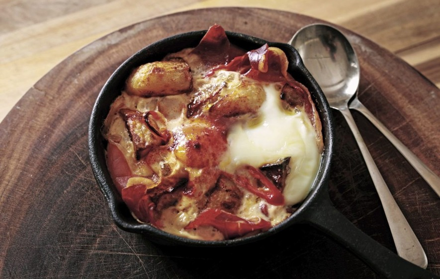 Patatas bravas with ham and eggs – a very Iberian version of an ...