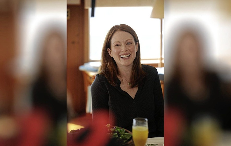Sleb Safari: Julianne Moore – the unexpected face of orthodontics