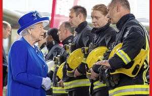 Queen and Prince William have visit rest centre helping tower fire victims