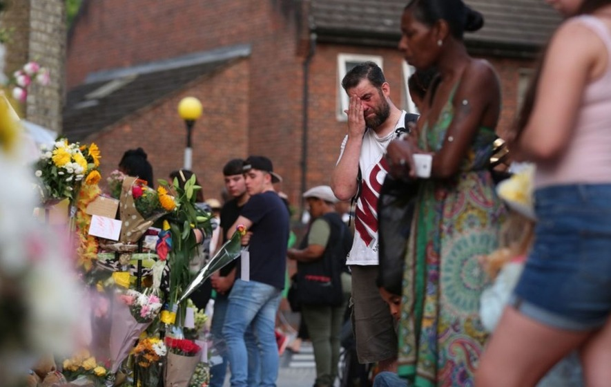 Grenfell Tower fire: Watch the community break into song at Sunday service