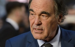 Director Oliver Stone to receive honorary degree