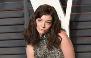 Lorde sorry for Taylor Swift 'auto-immune disease' comment