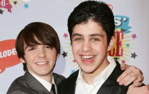 Drake Bell has apparently cut ties with Josh Peck over his lack of a wedding invitation