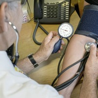 GPs offered £2k bonus to work 'out-of-hours'