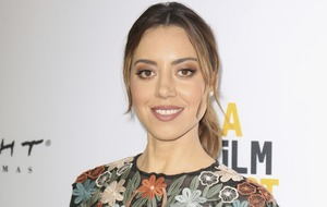 Aubrey Plaza: social media can warp minds