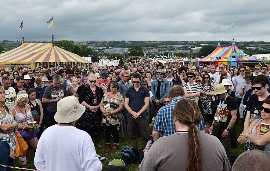 Glastonbury pays tribute to victims of Manchester attack and Grenfell Tower fire