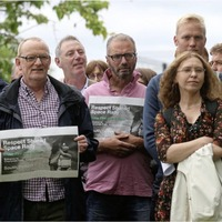 Hundreds attend UVF flag rally