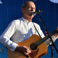 Status Quo forced to postpone concert due to Francis Rossi illness