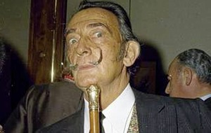 Body of Salvador Dalí to be exhumed to help decide paternity suit