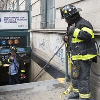 Watch NYC commuters being evacuated from a derailed subway train
