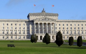 Government should use neutral outsiders for Stormont negotiations
