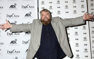 Brian Blessed takes over GMB's weather report as he calls Piers Morgan 'ugly'