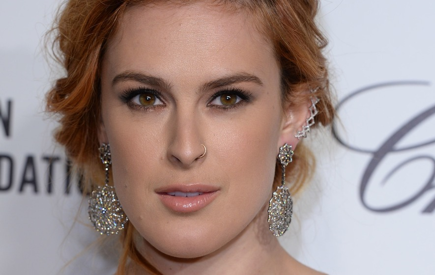 Rumer Willis celebrates six months of sobriety