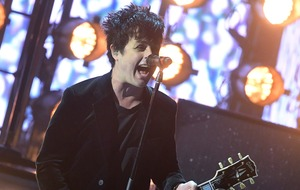 Fans serenade Green Day outside hotel after cancelled gig