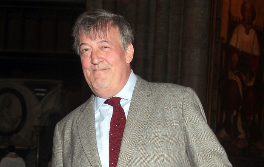 Stephen Fry to hit the road on mini book tour