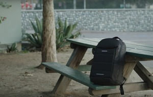 A new smart backpack knows when you leave something behind