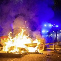 Third night of riots by anti-globalisation protesters in Hamburg