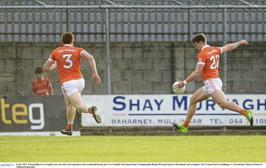 Late rally from 14-man Armagh edge out Westmeath