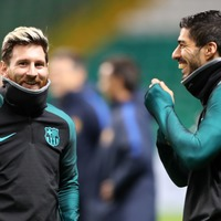 How many headers can Lionel Messi and Luis Suarez string together in the pool?