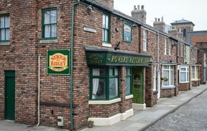 Emotional scenes as Corrie's Liz and Steve finally hand over the Rovers Return pub