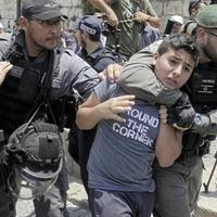 Israeli PM holds talks on security at Jerusalem site