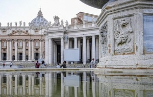St Peter's Square fountains shut off due to drought