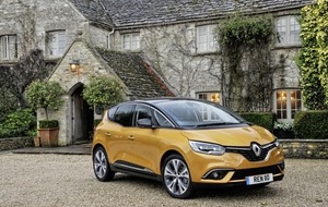 Renault Scenic: Battery included