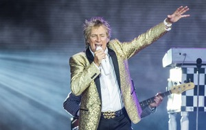 Rod Stewart funds trip for protest against US medical funding cuts